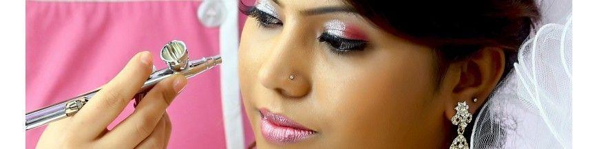 Jeux De Maquillage À L'Aérographe
